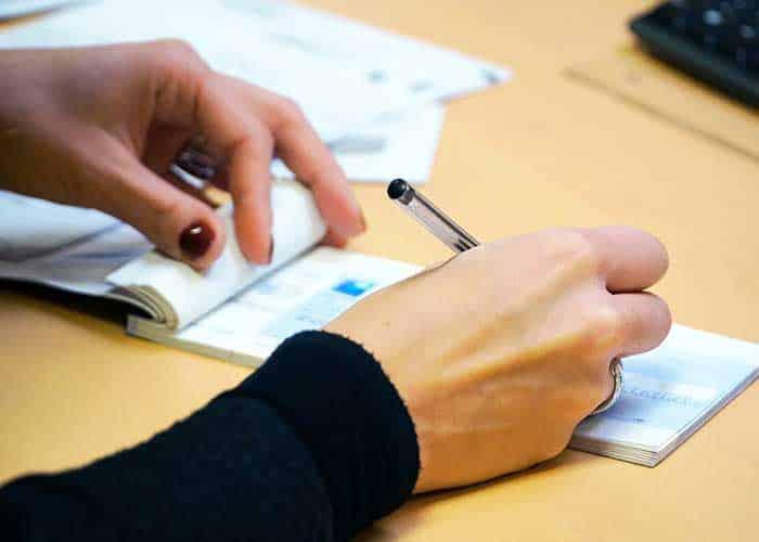 remplir chèque banque postale